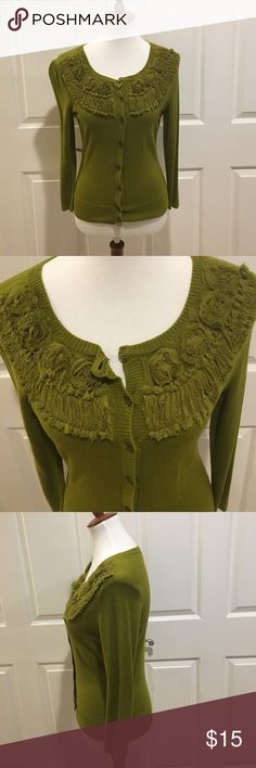 New York and Company green cardigan New York and Company Green sweater. EUC. Perfect for fall. No trades. Size small New York & Company Sweaters Cardigans