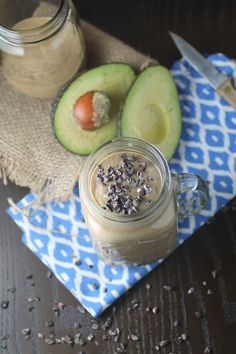 Chocolate Avocado Protein Smoothie - All You Need To Know About Detox Smoothie Detox Plan, Smoothie Proteine, Smoothie Recipes, Protein Recipes, Healthy Protein, Healthy Recipes, Clean Cleanse, Clean Diet, Cleanse Detox