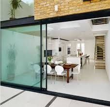 15 Classy Kitchen Extension Ideas You Can Steal To Suit Yourself Need some kitchen extension ideas? Here's 15 of the classiest kitchen extensions in the UK so you can get some inspiration for your kitchen extension! Home Design, Interior Design, Design Ideas, Glass Extension, Extension Ideas, Extension Google, Kitchen Diner Extension, Casa Patio, House Extensions