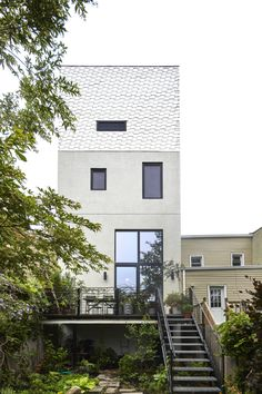 Cost-Conscious and Inventive: A Flood-Proofed Brooklyn Townhouse Rebuild by Takatina Brownstone Interiors, Townhouse, Nordic Home, Ikea Kitchen, Interior Inspiration, Building A House, Building Ideas, Brooklyn, Exterior