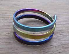 Rainbow niobium ring