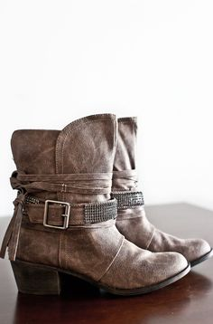 Onset Distressed Boots-Taupe