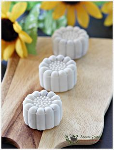 Purple Sweet Potato Snowskin Mooncakes 紫薯冰皮月饼 ~ 2015   Anncoo Journal - Come for Quick and Easy Recipes