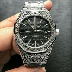 Watch Engraving, Hand Engraving, Fine Watches, Cool Watches, Gentleman Watch, Hand Wrist, Designer Watches, Luxury Watches For Men, Audemars Piguet