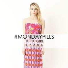 Exotic Flowers and Wax Print for a TIKI TIKI MOOD  #MondayPills