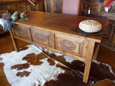 Santa-Fe Wormwood Desk