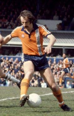 Bob Hatton of Luton Town in Retro Football, Adidas Football, Football Kits, Vintage Football, Luton Town Fc, Bob, Hero, Running, Classic