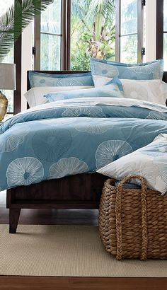 sand dollar duvet cover and texture of the rattan and wicker, perfect!