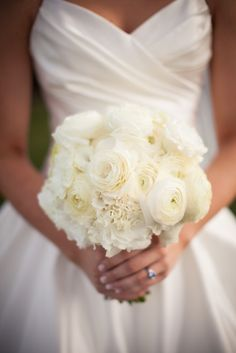 Classic White Bridal Bouquet | photography by http://www.mthreestudio.com/