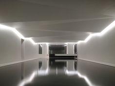 Top Amazing Saunas And Baths Around The Globe Spa Lighting, Cool Lighting, Interior Lighting, Lighting Ideas, Saunas, Light Architecture, Interior Architecture, Contemporary Architecture, Interior Design
