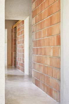 Interior Design Addict: Aulets Architecture José Hevia Reform of Oenological Station Detail Architecture, Brick Architecture, Minimalist Architecture, Interior Architecture, Interior And Exterior, Wall Exterior, Brick Interior, Contemporary Interior, Contemporary Architecture