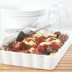 Een makkelijke Italiaanse avondmaaltijd is deze gehaktballen ovenschotel met tagliatelle. Binnen 20 minuten op tafel.