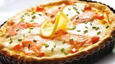 Czy wiesz, jak smakuje szybka tarta na cieście francuskim z łososiem, mozzarellą i pomidorami? Wypróbuj nasz przepis z Kuchni Lidla!