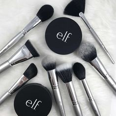 Your face is set with the this ultimate ELF Brush Set. With 18 brushes you will have your cheeks chiseled and your eyes poppin! Elf Makeup Dupes, Drugstore Makeup, Makeup Brands, Eye Makeup, Elf Products, Best Makeup Products, Face Products, Beauty Products, Hair And Beauty