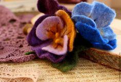 Анютины глазки — простонародное название Виолы. Красивого, яркого цветка, который у меня ассоциируется с детством, весной, теплом и беззаботностью. Анютиным глазкам в древности приписывали свойство…