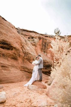 This insanely epic Slot Canyon Elopement in Arizona is the perfect inspiration for all your boho desert vibe elopement dreams! Arizona, Slot Canyon, Green Wedding Shoes, Boho Bride, Adventure, Rock Climbing, Amazing Places, Geography