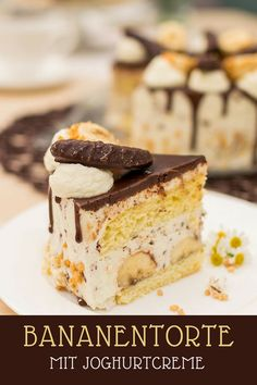 Recipe for a creamy banana cake with chocolate ganache and sponge cake – Obstkuchen Chicken Salad Recipe With Almonds, Chicken Salad Recipes, Cake Recipes, Dessert Recipes, Desserts, Almond Chicken, Cupcakes, Sponge Cake, Food Cakes