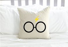 Want rate: Personalized Harry Potter Pillow w/ Lightning Bolt and Glasses by AndersAttic on Etsy Harry Potter Pillow, Harry Potter Marauders Map, Harry Potter Nursery, Harry Potter Decor, Harry Potter Gifts, Harry Potter World, Hogwarts, Tech Gifts, Pillow Covers