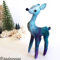 Ciervo Cósmico #dadanoias #fawnfelt #bambifelt #deerfelt #deer #etsy #bambi #handmade #ciervo #cosmic