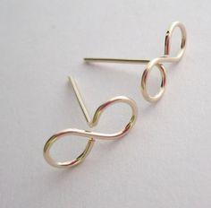 Wire Jewelry Rings, Wire Jewelry Designs, Handmade Wire Jewelry, Metal Jewelry, Earrings Handmade, Jewelry Crafts, Beaded Jewelry, Jewlery, Diy Earrings Studs