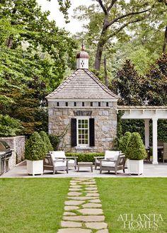 Amazing stone poolhouse
