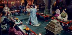 Chinese New Year's Eve dinner of an elite family in the ancient China -- junior members pay tribute to senior members before dinner (from Nirvana in Fire) https://plus.google.com/+Simplifyyourlifepluschina/posts/iZ2oV1XVrTK