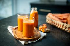 We all know that carrots are great for promoting good vision, especially night vision. They are also a fantastic source of beta-carotene, vitamins A, C, and K, potassium, and fiber. They can help protect against cancer and cardiovascular disease. Juicer Pulp Recipes, Healthy Juicer Recipes, Vegetable Juicer, Cucumber Juice, Wheat Grass, Beta Carotene, Cardiovascular Disease, Night Vision, Celery