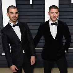 Joe Jonas And Nick Jonas Are Buzzcut Bros At Vanity Fair's Oscar Party - http://oceanup.com/2017/02/27/joe-jonas-and-nick-jonas-are-buzzcut-bros-at-vanity-fairs-oscar-party/