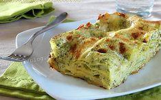 Lasagne con broccoli e scamorza in bianco| ricetta facile No Salt Recipes, Pasta Recipes, Italian Dishes, Italian Recipes, Brie, Crepes, Cannelloni, Love Eat, Cauliflower Recipes