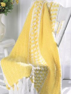 Knited Sunny Days Throw. Stated as Quick and easy, not for me. I would like to try.