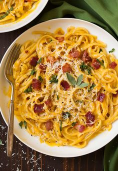 I have this problem where I want to eat bacon with everything, and so I compromise by adding it with something healthy like so. This Butternut Squash Pasta
