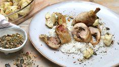 Zwei Dinge lernen wir heute in der Küche. Martina zeigt uns, wie man Hähnchenkeulen entbeint und dann füllt. Und sie bereitet eine interessante Gewürzmischung zu, die den zunächst einfach erscheinenden Zutaten einen besonderen Geschmack gibt. Ard Buffet, Stuffed Mushrooms, Chicken, Vegetables, Food, Roasted Cauliflower, Cooking Rice, Chef Recipes, Eten