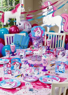 Veeeeean @karenondskan @hojaldraoficial la primera fiesta del Basti ^^ -> Unicorn Birthday Party
