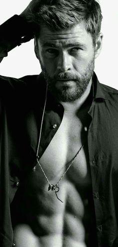 Chris Hemsworth #musclefood