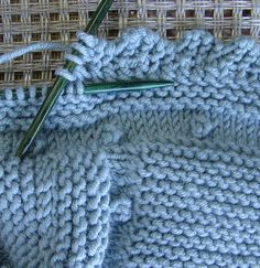 New Images baby blankets manta bebe dos agujas Suggestions When youngsters, many people had that particular exclusive that belongs we needed with us by any means times. Baby Knitting Patterns, Knitting Charts, Baby Patterns, Knitting Machine, Stitch Patterns, Crochet Patterns, Crochet Cord, Chunky Crochet, Crochet Scarves