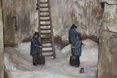 Une magnifique exposition de figurines de Liliane GUIOMAR - Une glacière est une construction en pierre, de forme cylindrique, qui permet de stocker la glace. Elle est remplie en hiver, cela permet aux paysans ou aux saisonniers d'avoir un revenu hivernal. Le commerce de la glace a connu un essor important du XVIIème jusqu'au début du xxème siècle, la glace était un produit de luxe.