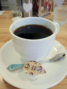 食後はブレンドコーヒーいただいています。今日はブラックコーヒーで試しています。