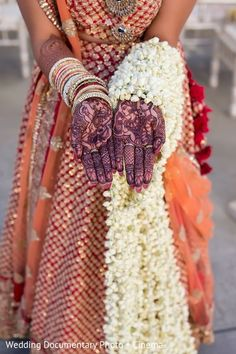 Mehndi & Bouquet http://www.maharaniweddings.com/gallery/photo/65622 @vijayrakhra