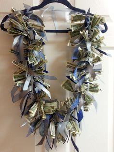 Graduation Birthday Money Lei by on Etsy Money Lei, Money Origami, Diy Graduation Gifts, Graduation Leis, Graduation Flowers, Creative Money Gifts, Creative Ideas, Birthday Money, Diy Gifts