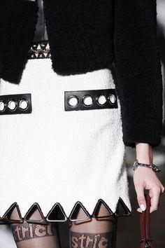 Alexander Wang Fall 2016 Ready-to-Wear Fashion Show Details