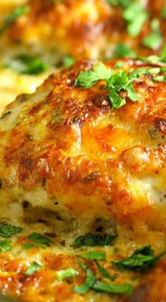 Smothered Cheesy Sour Cream Chicken ~ Quick, easy, and delicious! – Chicken Recipes Smothered Cheesy Sour Cream Chicken ~ Quick, easy, and delicious! Chicken Thights Recipes, Chicken Parmesan Recipes, Chicken Salad Recipes, Recipe Chicken, Quick Easy Chicken Recipes, Chicken Meals, Quick Chicken Dishes, Cheesy Chicken Recipes, Chicken Dishes For Dinner
