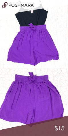 """90's PennyLane High waisted shorts High Waisted  Thick Elastic band with tie bow  Loose comfortable fit  100% Rayon  Waist : 24"""" (not including stretch ) Elastic Band width : 2"""" Inseam: 4"""" Outseam: 16""""  Please be aware that vintage means: The class of a dated object with reference to era of production or use. Do not expect like new conditions on any vintage item. They will have slight wear but still in good condition Shorts"""