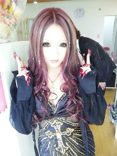 Sakurina [from ageha]    I love love love her hair >w<