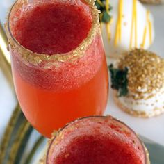 12 Months of Drinks: Glitzy Strawberry Champagne Drink
