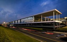 Gallery of The Sheraton Milan Malpensa Airport Hotel & Conference Centre / King Roselli Architetti - 1