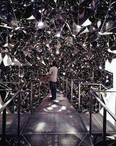 Olafur Eliasson simil mi maqueta mi proyecto papel arrugado plateado techo metal espacio