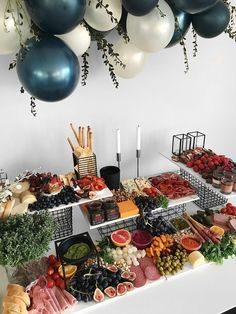 Grazing Board von The Manchester Platter Co - - Dekoration Party Food Platters, Cheese Platters, Cheese Table, Grazing Platter Ideas, Charcuterie And Cheese Board, Grazing Tables, Snacks Für Party, Food Presentation, Food Displays