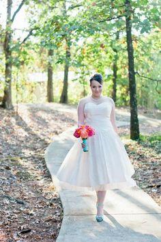 Vintage inspired bride Julie rocked her retro tea-length 'Jessie' wedding dress! {Lea-Ann Belter gown from Kelly's Closet in Atlanta}