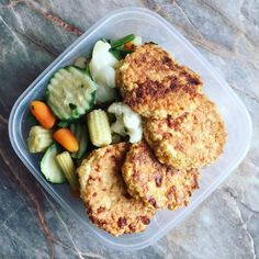 Zabpelyhes túrós puffancs (paleo változatban is! Health Eating, Light Recipes, Bacon, Clean Eating, Food And Drink, Snacks, Chicken, Meat, Cooking