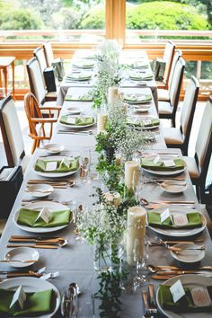 Green and Eco-Friendly Decorating Ideas for the Holidays Banquet Table Decorations, Banquet Tables, Outdoor Settings, Table Settings, Cheer Banquet, Long Table Wedding, Wedding Mint Green, Wedding Arrangements, Table Flowers
